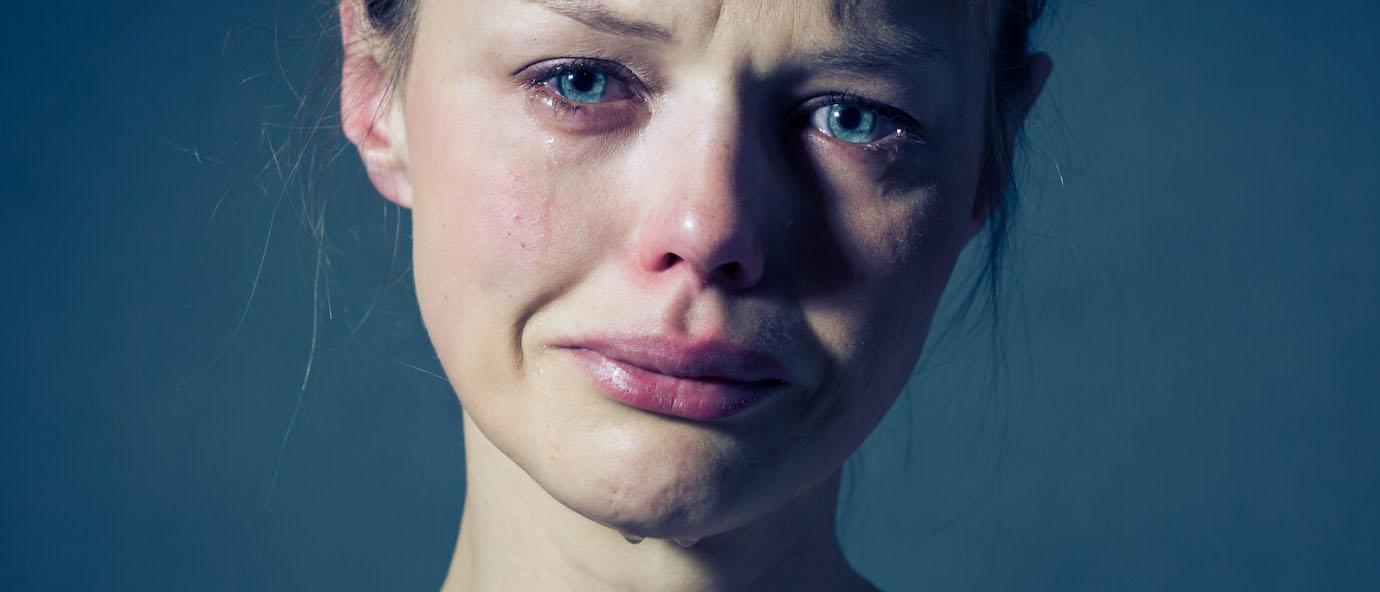 Какое наказание предусмотрено законом за изнасилование несовершеннолетних по статье 134 УК РФ? Как привлечь насильника к ответственности? На какой срок могут посадить за изнасилование ребенка? Читайте в нашей статье.