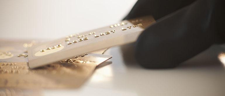 Кража денег с банковской карты — как вернуть средства?