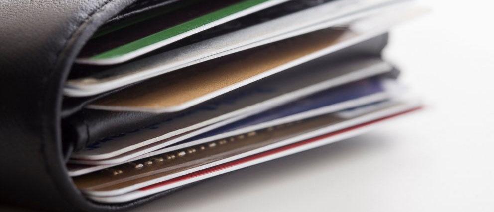 Куда обратиться и что делать при краже денег с банковской карты?