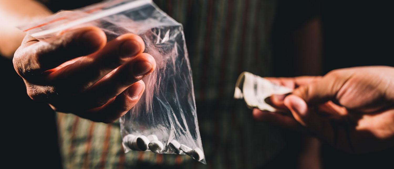 Какая статья грозит за незаконный оборот наркотиков