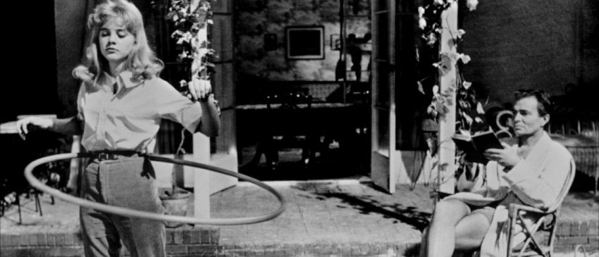 Какая статья за секс с несовершеннолетними? Что ждет преступника за секс с малолектой, если ей не исполнилось 16 лет? Об ответственности за половое сношение и иные действия сексуального характера по ст. 134 УК РФ читайте на osudili.ru