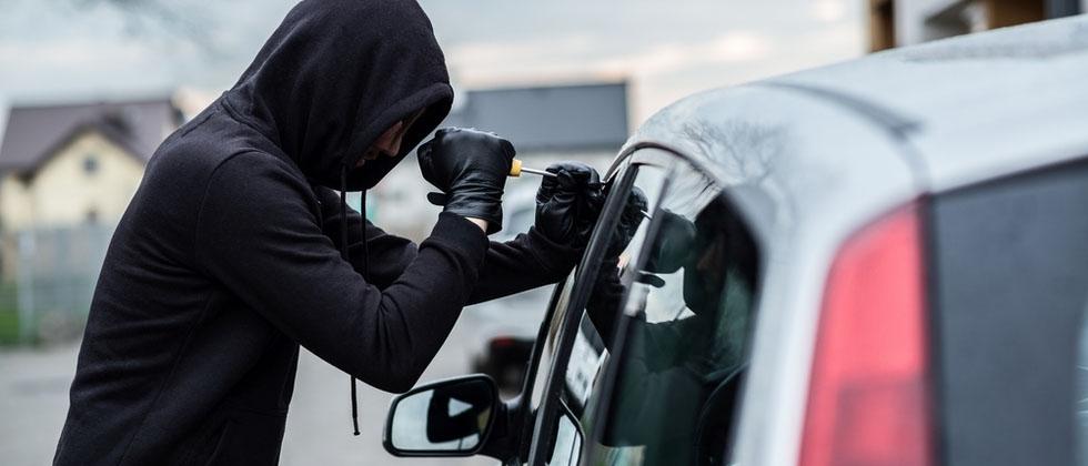 В чем разница между кражей и воровством?